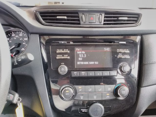 2017 Nissan Rogue S Houston, Mississippi 11