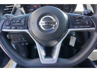 2017 Nissan Rogue SV  city Texas  Vista Cars and Trucks  in Houston, Texas