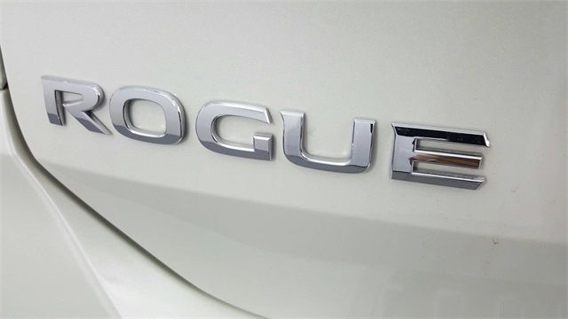 2017 Nissan Rogue SL in McKinney Texas, 75070
