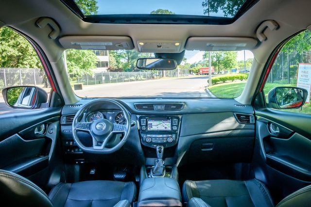 2017 Nissan Rogue SL 17.5 YEAR PANO ROOF NAVIGATION in Memphis, TN 38115