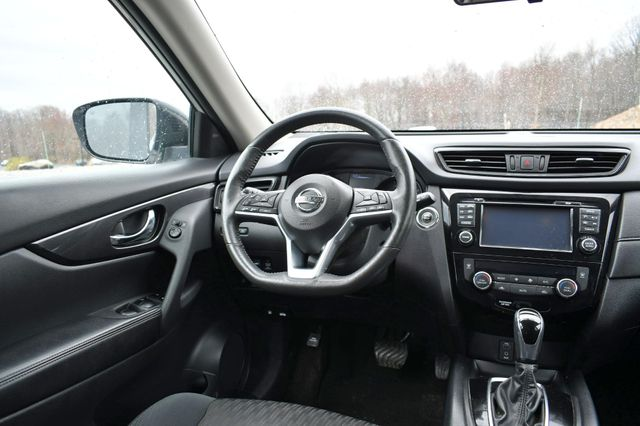2017 Nissan Rogue SV Naugatuck, Connecticut 15