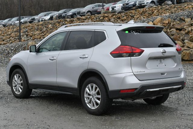 2017 Nissan Rogue SV Naugatuck, Connecticut 3