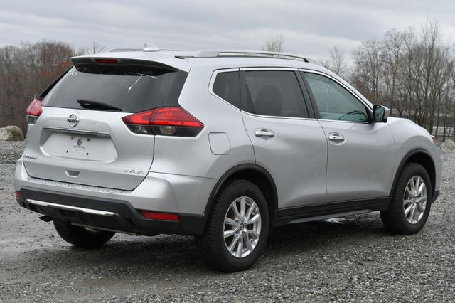 2017 Nissan Rogue SV Naugatuck, Connecticut 5
