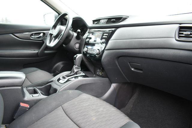 2017 Nissan Rogue SV AWD Naugatuck, Connecticut 10