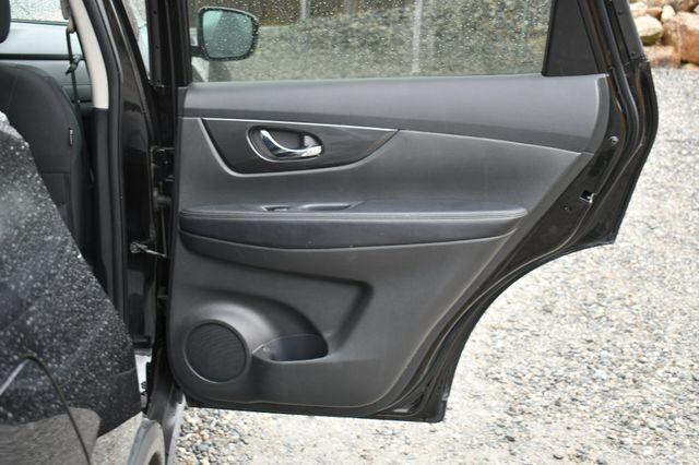 2017 Nissan Rogue SV AWD Naugatuck, Connecticut 13