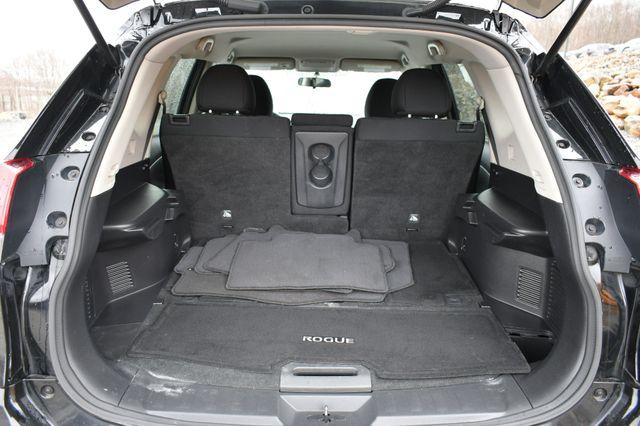 2017 Nissan Rogue SV AWD Naugatuck, Connecticut 14
