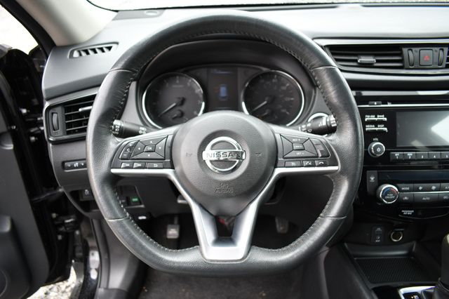 2017 Nissan Rogue SV AWD Naugatuck, Connecticut 23