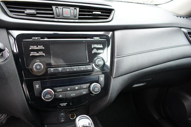 2017 Nissan Rogue SV AWD Naugatuck, Connecticut 24