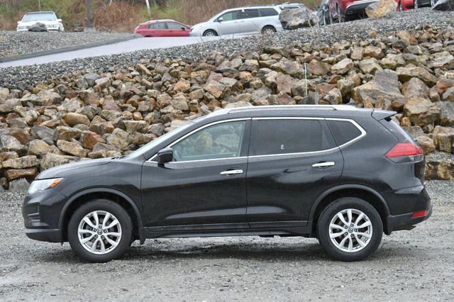 2017 Nissan Rogue SV AWD Naugatuck, Connecticut 3