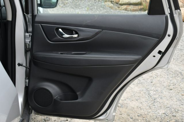 2017 Nissan Rogue S AWD Naugatuck, Connecticut 13