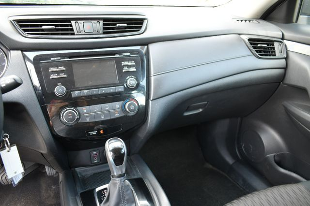 2017 Nissan Rogue S AWD Naugatuck, Connecticut 24
