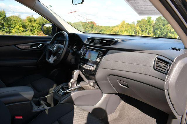 2017 Nissan Rogue SV Naugatuck, Connecticut 11