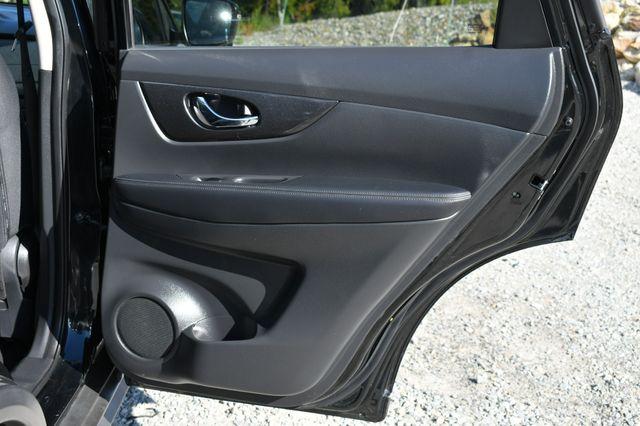 2017 Nissan Rogue SV Naugatuck, Connecticut 13