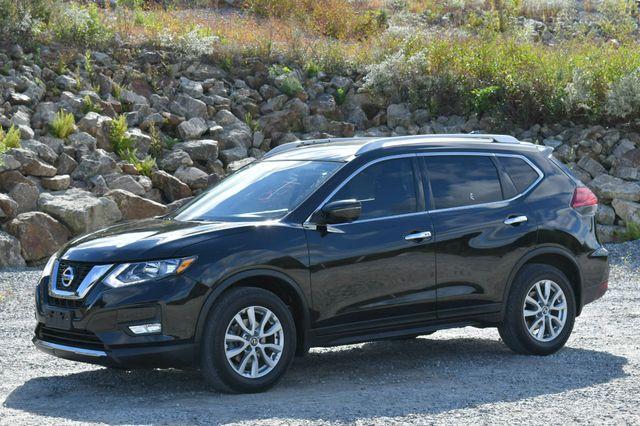 2017 Nissan Rogue SV Naugatuck, Connecticut 2