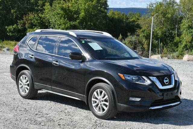 2017 Nissan Rogue SV Naugatuck, Connecticut 8