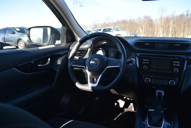 2017 Nissan Rogue Sport SV Naugatuck, Connecticut 16