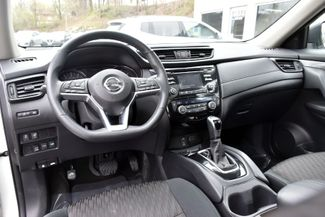 2017 Nissan Rogue SV Waterbury, Connecticut 18