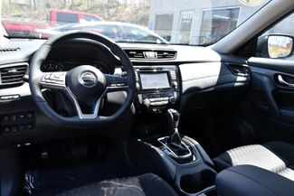 2017 Nissan Rogue SV Waterbury, Connecticut 15