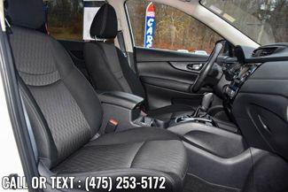 2017 Nissan Rogue SV Waterbury, Connecticut 13