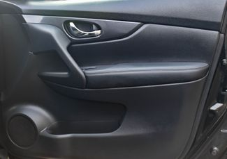 2017 Nissan Rogue SV Waterbury, Connecticut 18