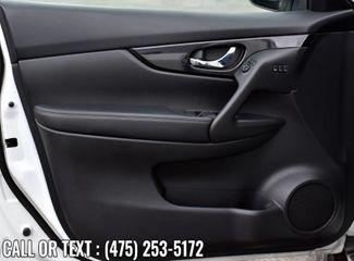 2017 Nissan Rogue SL Waterbury, Connecticut 24