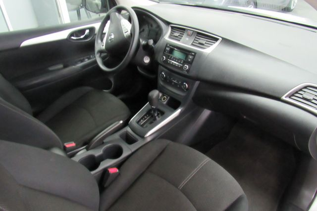 2017 Nissan Sentra S Chicago, Illinois 13