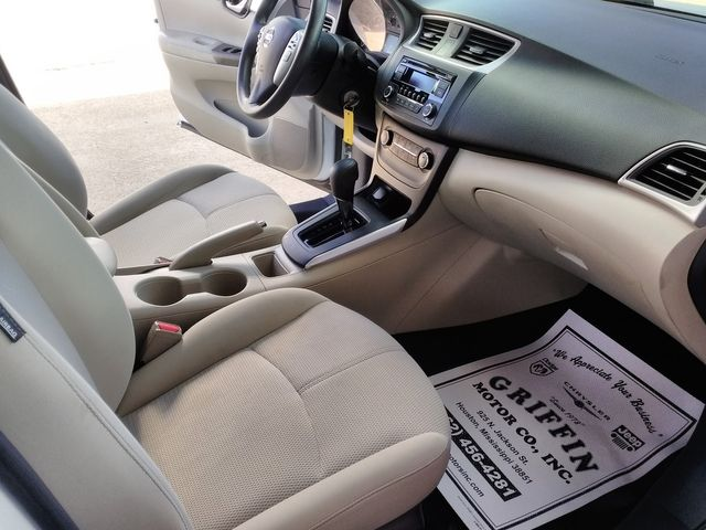 2017 Nissan Sentra S Houston, Mississippi 7