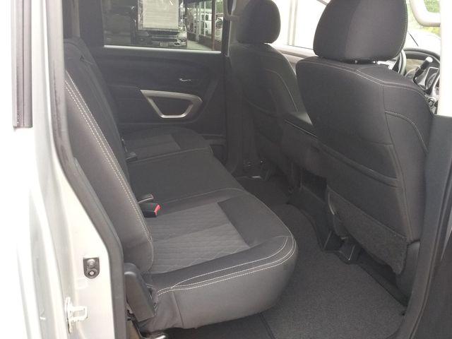 2017 Nissan Titan Crew Cab 4x4 SV Houston, Mississippi 13