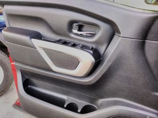 2017 Nissan Titan Crew Cab 4x4 SV Houston, Mississippi 20