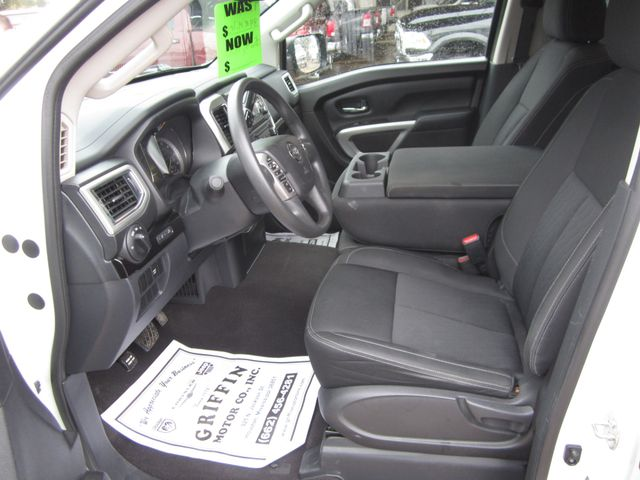 2017 Nissan Titan Crew Cab SV Houston, Mississippi 7