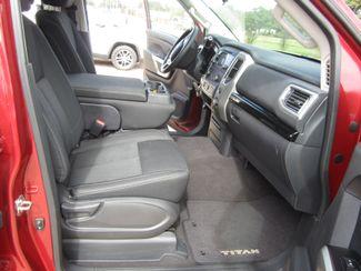 2017 Nissan Titan SV Crew Cab 4x4 Houston, Mississippi 10