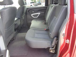 2017 Nissan Titan SV Crew Cab 4x4 Houston, Mississippi 8
