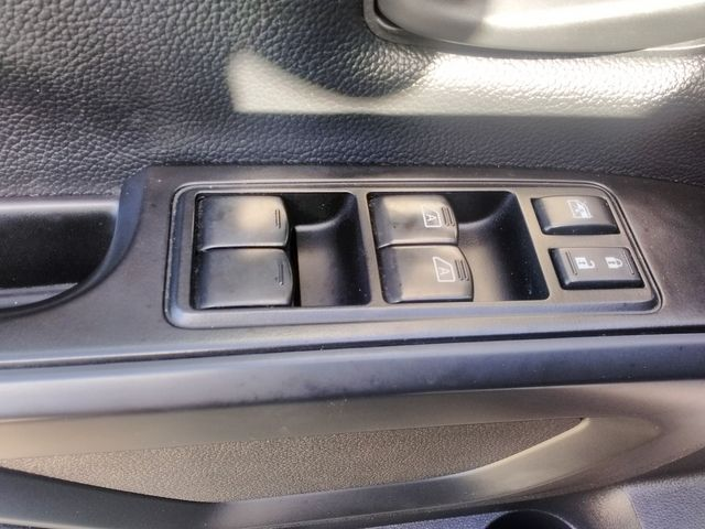 2017 Nissan Titan S Houston, Mississippi 17
