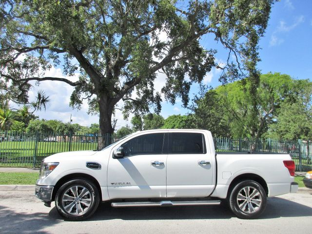 2017 Nissan Titan SL Miami, Florida 1