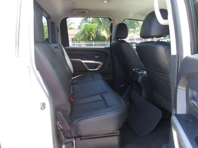 2017 Nissan Titan SL Miami, Florida 9