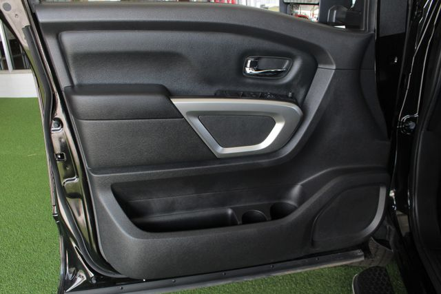 2017 Nissan Titan XD SV Crew Cab RWD W/ COMFORT/CONVENIENCE PKG! Mooresville , NC 42