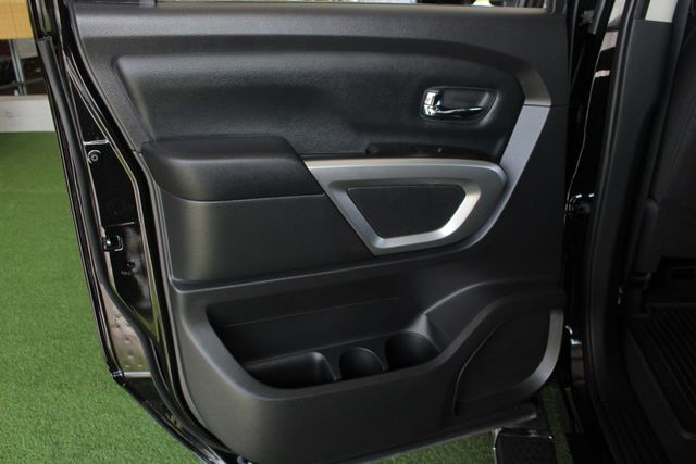 2017 Nissan Titan XD SV Crew Cab RWD W/ COMFORT/CONVENIENCE PKG! Mooresville , NC 44