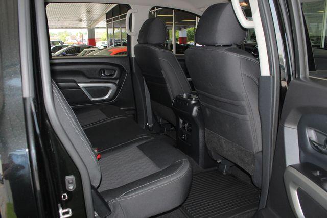 2017 Nissan Titan XD SV Crew Cab RWD W/ COMFORT/CONVENIENCE PKG! Mooresville , NC 41