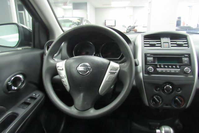 2017 Nissan Versa Sedan SV Chicago, Illinois 17