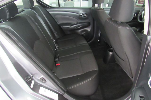 2017 Nissan Versa Sedan SV Chicago, Illinois 12