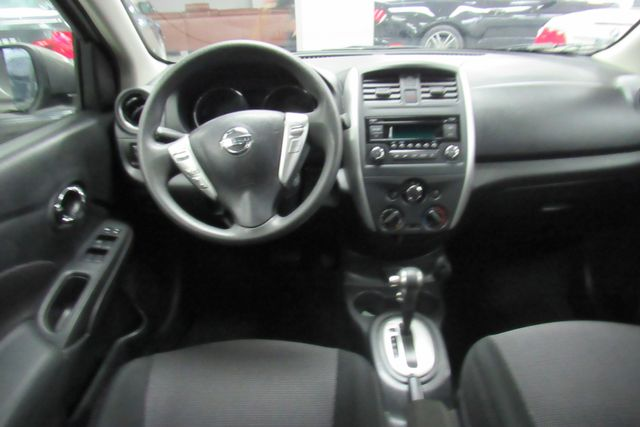 2017 Nissan Versa Sedan SV Chicago, Illinois 10