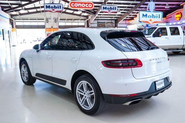2017 Porsche Macan in Addison, Texas 75001