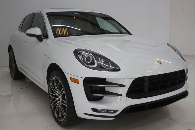 2017 Porsche Macan Turbo Houston, Texas 3