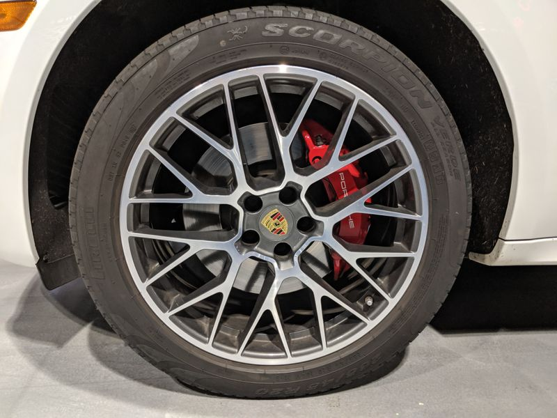 2017 Porsche Macan Turbo  Lake Forest IL  Executive Motor Carz  in Lake Forest, IL