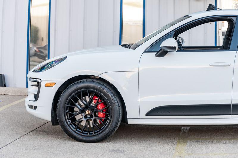 2017 Porsche Macan GTS NAV SUNROOF CARBON FIBER PDK TRANS LOADED NICE in Rowlett, Texas