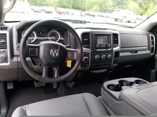 2017 Ram 1500 Crew Cab 4x4 SLT Houston, Mississippi 9