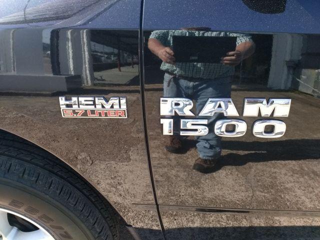 2017 Ram 1500 Crew Cab 4x4 SLT Houston, Mississippi 7