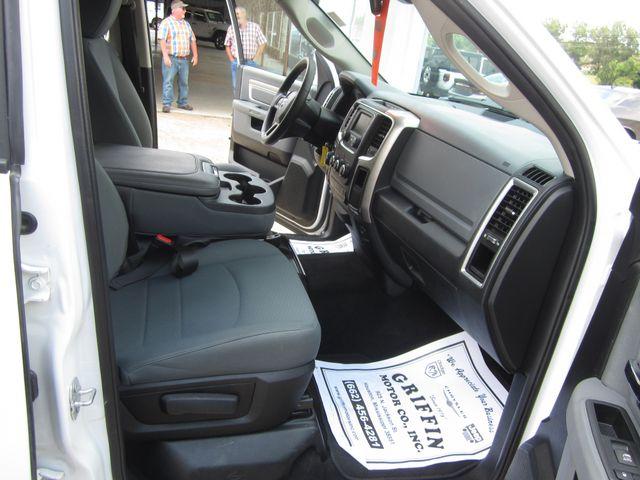 2017 Ram 1500 SLT Crew Cab 4x4 Houston, Mississippi 11