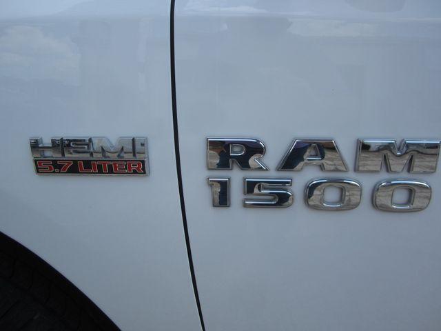 2017 Ram 1500 SLT Crew Cab 4x4 Houston, Mississippi 9