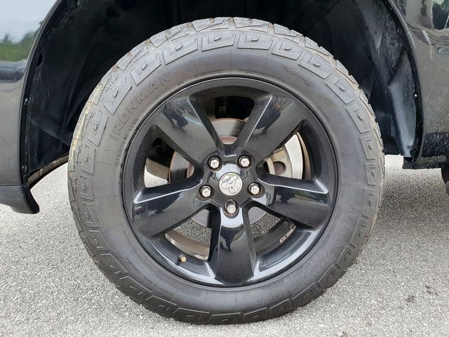 """2017 Ram 1500 Express 4X2 5.7L V8 Leather Tow/Uconnect/20""""Alloys in Louisville, TN 37777"""